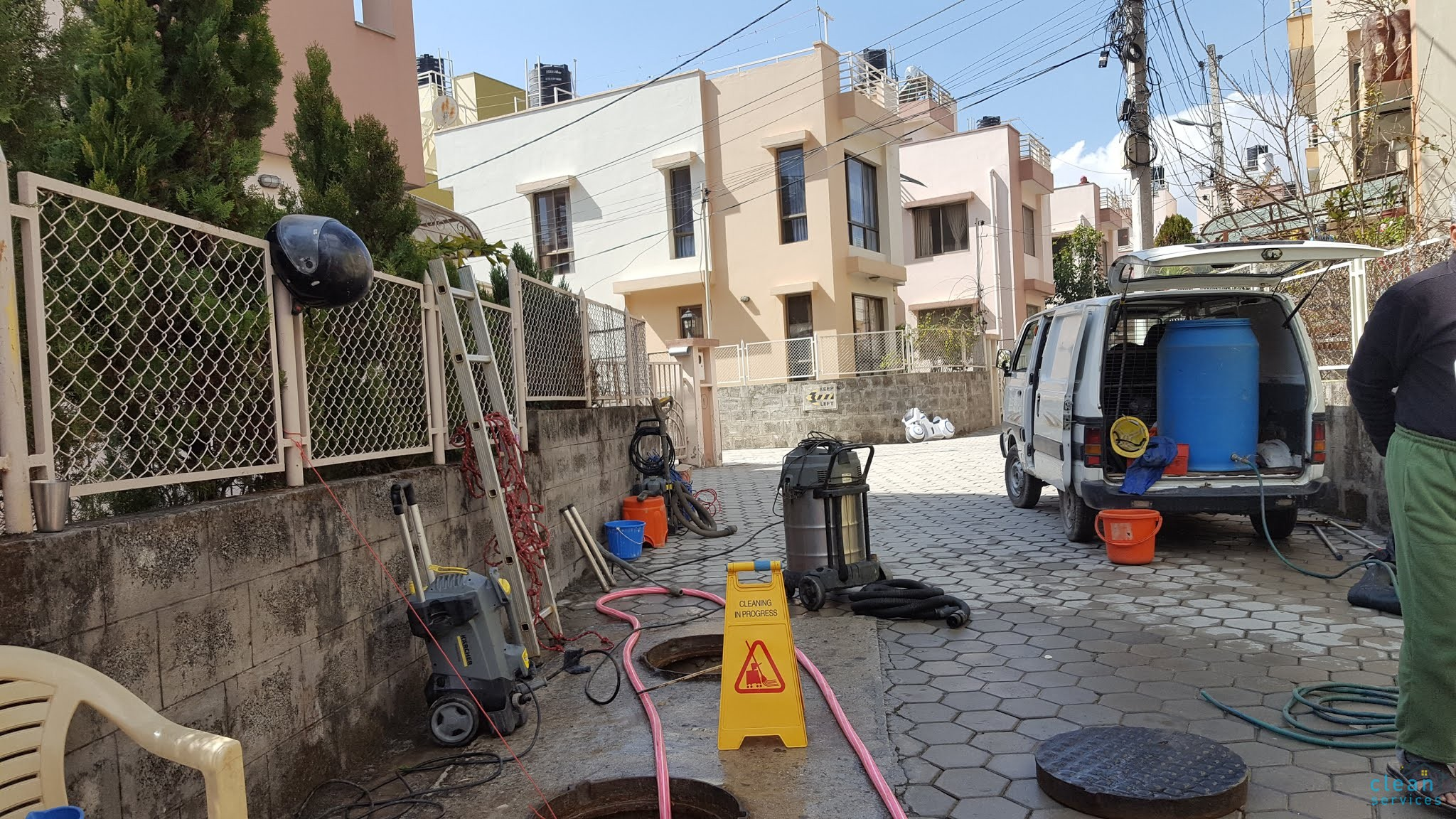 Underground and rooftop water tank cleaning on ishan colony